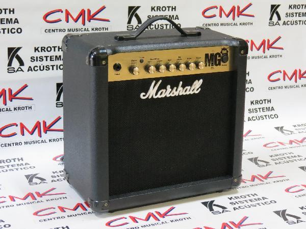 Foto do produto  Amplificador Marshall MG15R Gold com Reverb Combo para Guitarra 1x8'' 15W (usado)
